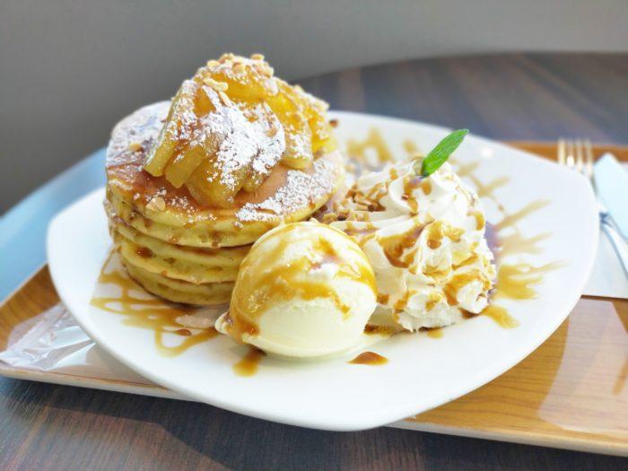 pancakes-apple-caramel-haneda